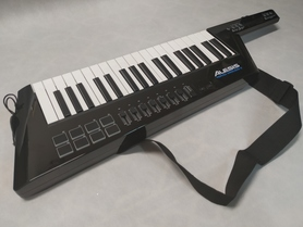 ALESIS VORTEX WIRELESS 2 Keytar Keyboard na pasku