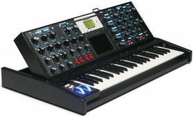 Minimoog Voyager –  Electric Blue -  Electric Blue - Syntezator analogowy